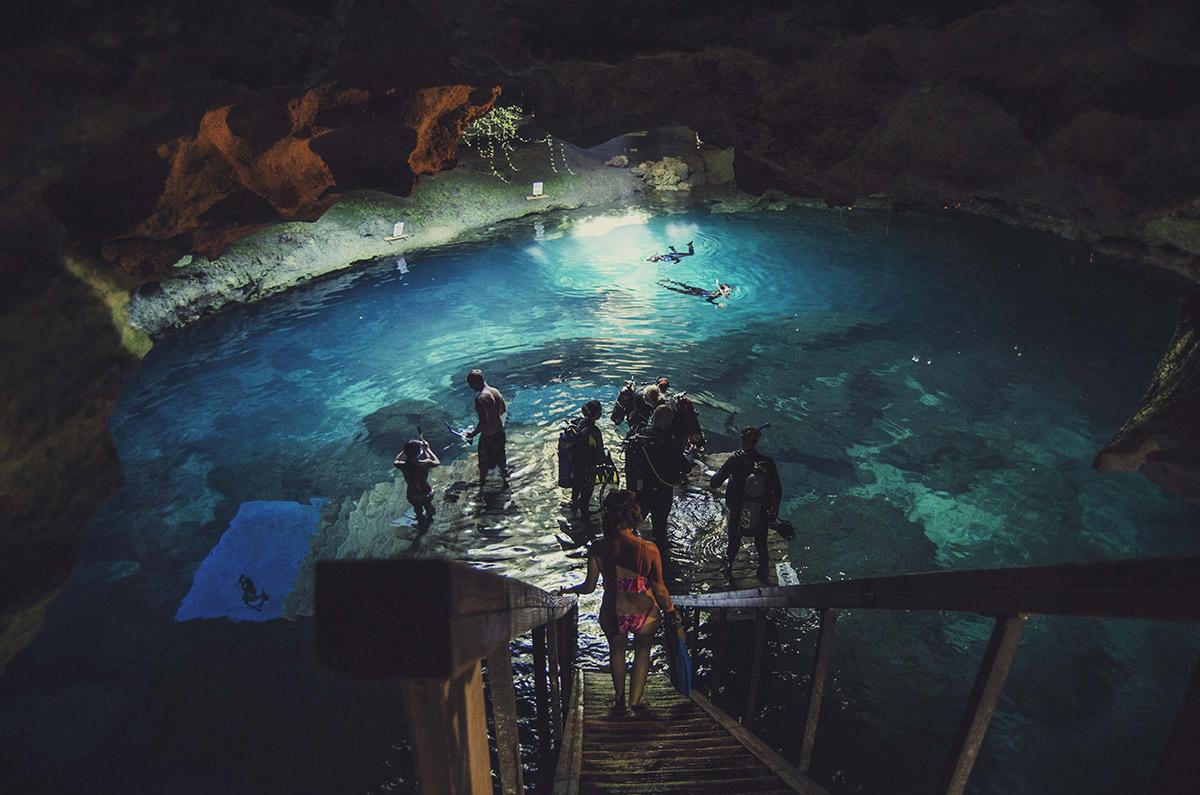 diving snorkeling cave underground cavern Gainesville Williston Florida Devils Den Millhopper Brittany Norris