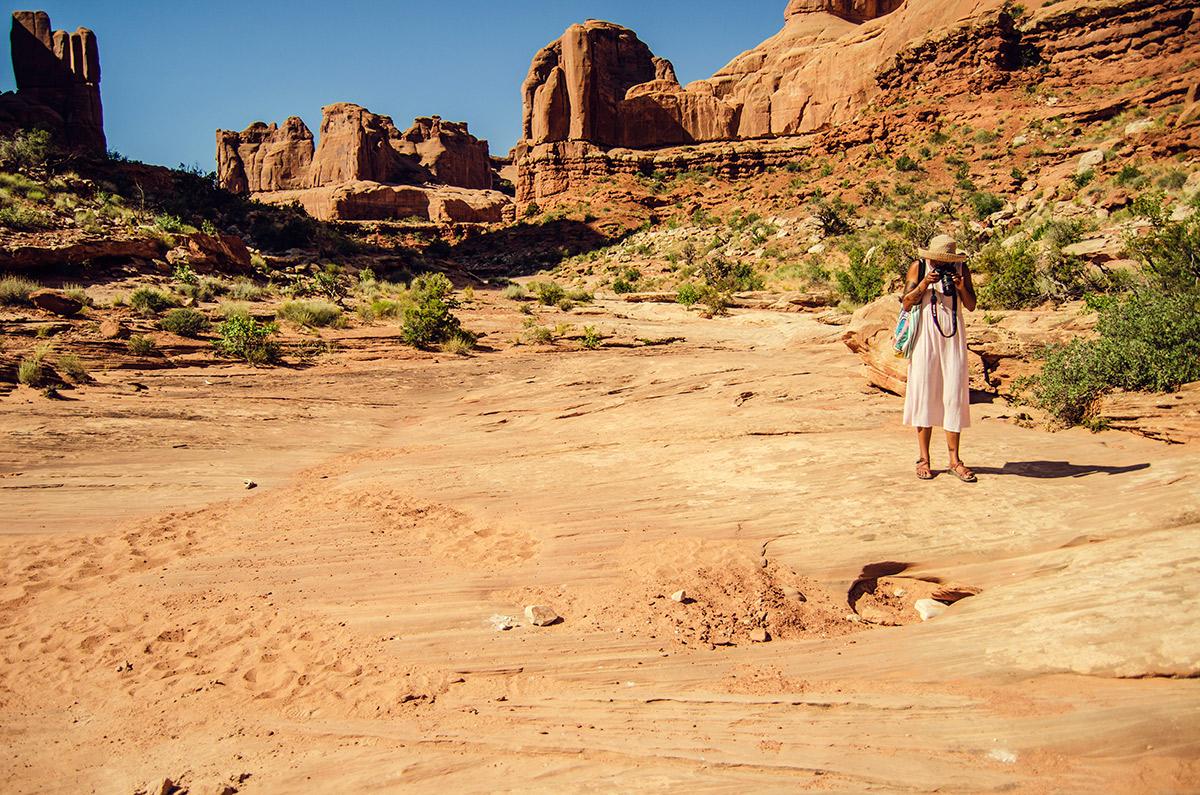 road trip sisters moab utah arches national park avenue